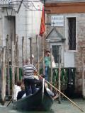 Venise -scene de la vie quotidienne-traghetto -1160072.jpg