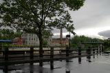 promenade in the rain...
