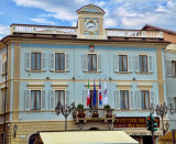 The Town Hall of Stresa is nicely light blue....