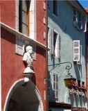 façade rose,  façade bleue