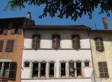 fenêtres gothiques dans la vieille ville