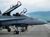 deux F-18