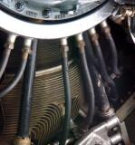 les tuyaux du moteur