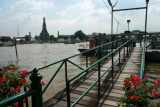 Crossing the river to Wat Arun