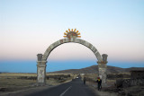 Arch leaving Acuncolla ont he Sillustani Road