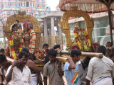 Reaching KurathAzvAn sannidhi ...