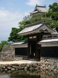 Kuro-mon with donjon beyond