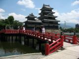 Red bridge with donjon and Inui-kotenshu