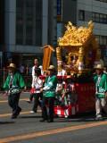 Kagura float and attendants