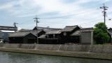 Old house and kura along the canal, Handa
