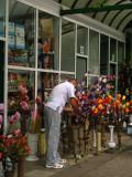 Preparing a flower arrangement