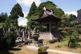 Belltower and cemetery at Ryūun-in