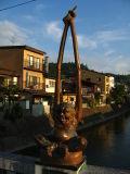 Counterpart statue on the Kaji-bashi