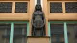 Oriental bust on Pikk 18 building