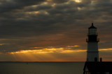 DSC05169.jpg portland head light at dawn , cant make the vertical export yet