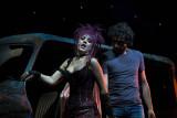 Szene Who Wants To Live Forever mit Scaramouche (Jessica Kessler) und Galileo (Serkan Kaya)