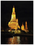 The famous Wat Arun (วัดอรุณ)