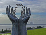 Hands and Molecule Sculpture 4, Ramsgate