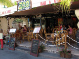 Zoo Bar and Grill