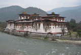 Punakha Dzong on the Mo Chhu