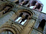 Jedbourgh Abbey -6 Sept 07.jpg