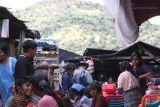 Mercado de la Localidad en Dia Domingo