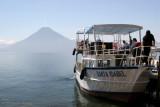 Barcos que Recorren el Lago Parten de Esta Cabecera