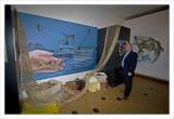 Dick Mol bij de opening van de tentoonstelling over de Homotherium.