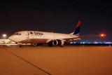 Delta Air Lines Boeing 737-800 (N3745B)
