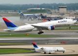 Delta Air Lines Boeing 777-232/ER (N862DA)
