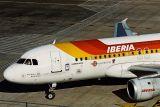 IBERIA AIRBUS A320 LHR RF 1400 17