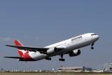 QANTAS BOEING 767 300 MEL RF IMG_7225 .jpg