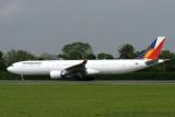 PHILIPPINES AIRBUS A330 300 SIN RF IMG_7796.jpg