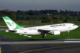 MAHAN AIR AIRBUS A310 300 DUS RF 1771 8.jpg