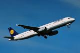 LUFTHANSA AIRBUS A321 DUS RF 1771 31.jpg