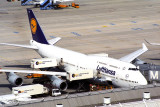 LUFTHANSA BOEING 747 400 MUC RF 1552 17.jpg