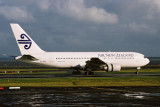 AIR NEW ZEALAND BOEING 767 200 AKL RF 1612 36.jpg