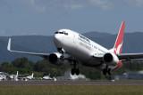 QANTAS BOEING 737 800 CNS RF IMG_9382.jpg