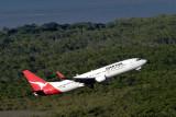 QANTAS BOEING 737 800 CNS RF IMG_9497.jpg