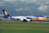 SINGAPORE AIRLINES BOEING 747 400 SIN RF 1413 13.jpg