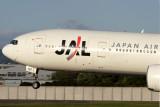 JAL BOEING 777 300 ITM RF IMG_7480.jpg