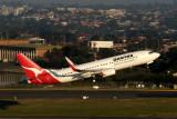 QANTAS BOEING 737 800 SYD RF IMG_9558.jpg