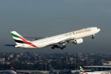 EMIRATES AIRBUS A340 500 SYD RF IMG_9621.jpg