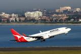 QANTAS BOEING 737 800 SYD RF IMG_9684.jpg