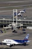 LAN AIRBUS A318 SCL RF IMG 0361.jpg