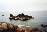 Hin Ta Hin Yai - rocks and water