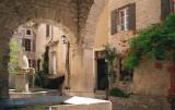 Provence: 2000 (Seguret, Roussillon, Ventabren, Fontaine de Vaucluse)
