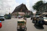 approaching Grand Palace