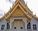 Wat Sothorn facade, close up