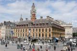 Visite de la ville de Lille - Vue sur la vielle Bourse, et derrière le beffroi